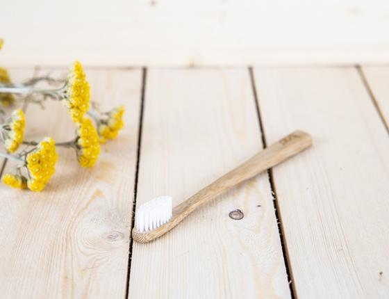 Brosse à dents en bambou enfant - poils souples transparents