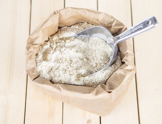 Farine de blé semi-complète T80 bio & locale