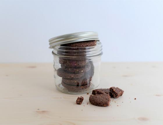 Biscuit cacao, kasha & citron vert bio, local & vegan