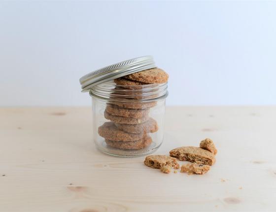 Biscuit noisettes & oranges confites bio, local & vegan
