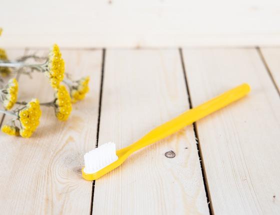 Brosse à dent à tête rechargeable jaune - poils souples