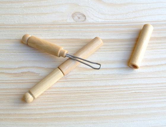 Cure-oreille en bois brut
