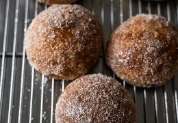 Pompon pain brioché bio & local Maison Arlot Cheng